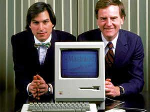 Стив Джобс и Джон Скалли. 1984 год