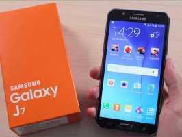 Samsung Galaxy J7 с коробкой