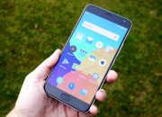 Смартфон Meizu Pro 5 в руке