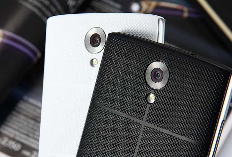 Гексагональная текстура тыльной панели в смартфоне Homtom HT7