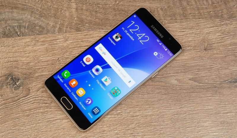 Дисплей в Samsung Galaxy A5 2016