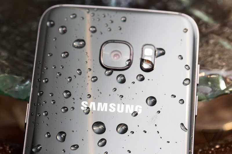 USB у Samsung Galaxy S7 получил датчик влажности