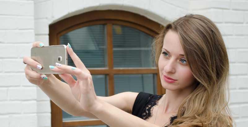Samsung готовит мобильную с диафрагмой f/1.4