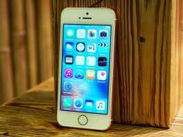 Передняя панель iPhone SE