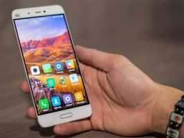Xiaomi Mi5 в руке