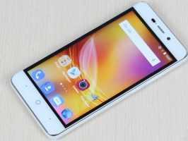 Фронтальная часть и дисплей смартфона ZTE Blade X3