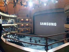 Зал презентации Galaxy Note 7