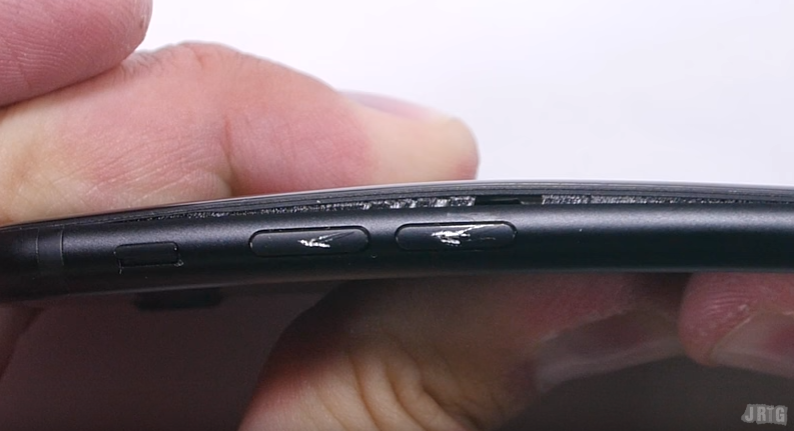iPhone 7 подвергся варварским испытаниям на прочность