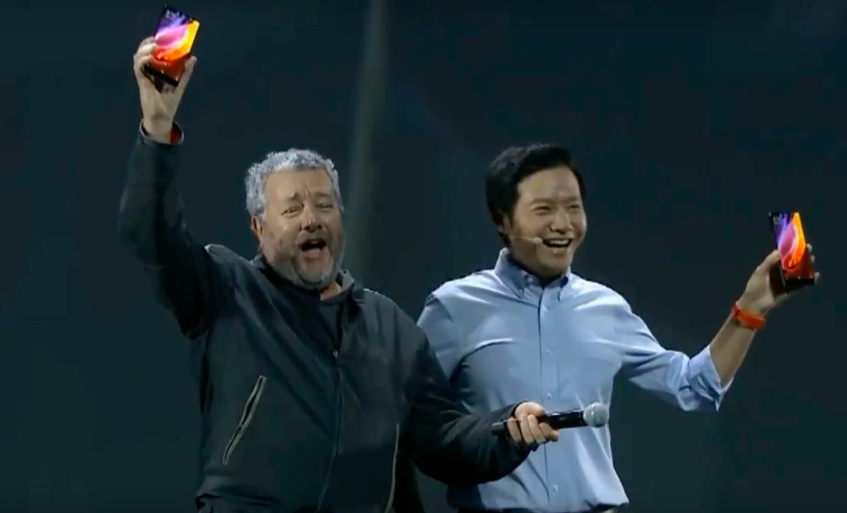 Безрамочный Xiaomi Mi MIX на презентации