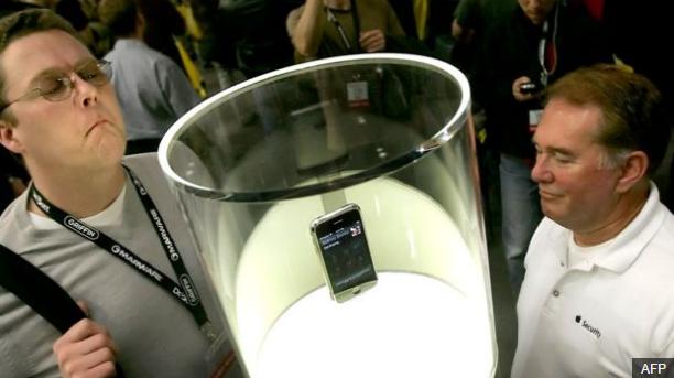 Бывшие инженеры Apple говорят, что iPhone разработан путем усовершенствования iPod