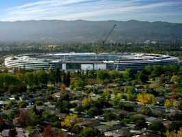 Apple Park в виде космического корабля станет официальной штаб-квартирой Apple в апреля этого года