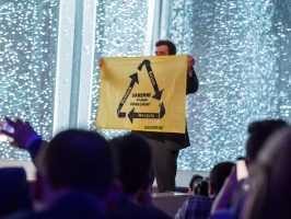 Greenpeace мешала презентации Samsung на MWC возмущениями о Galaxy Note 7