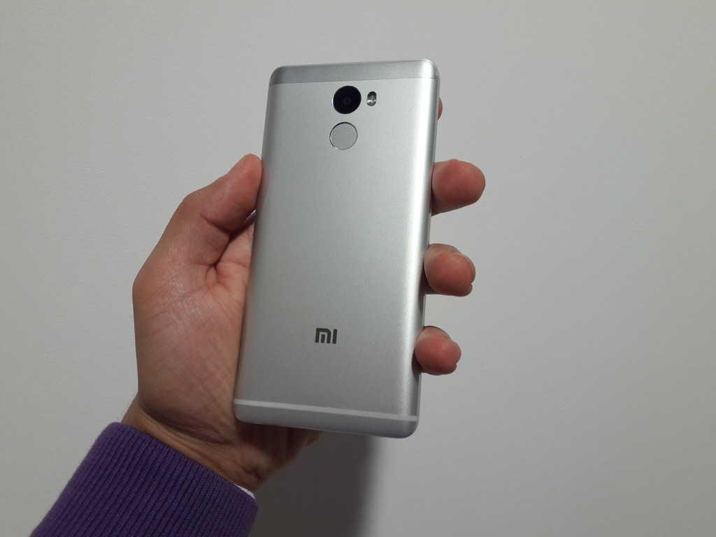 ЗАдняя панель Xiaomi Redmi 4