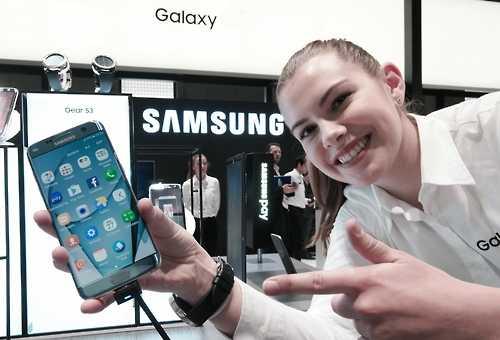 В 2016 году мировыми лидерами по продажам смартфонов стали: Samsung, Apple и Huawei
