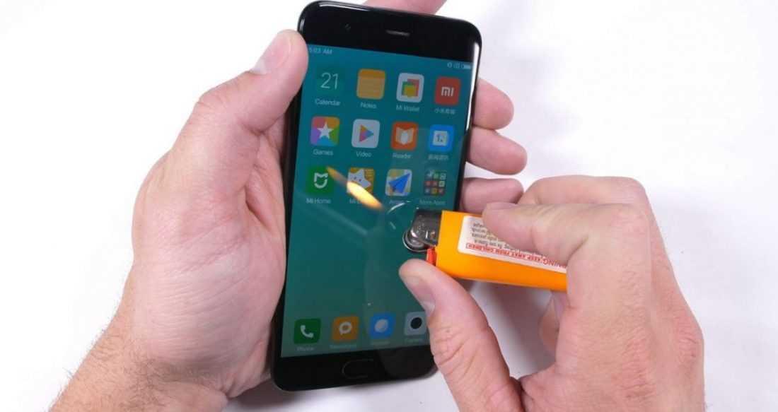 Xiaomi Mi6 попытались согнуть иподжечь