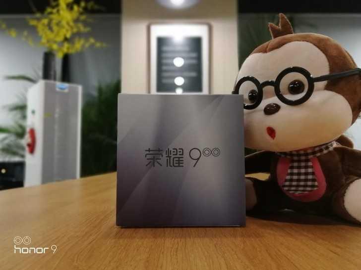 Компания Huawei показала смартфон Honor 9