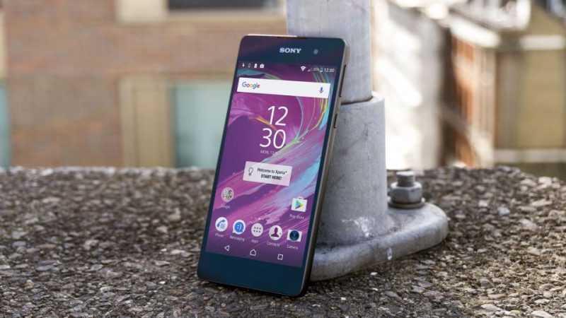Владельцы телефонов Сони могут вернуть 50% ихстоимости