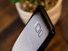 Samsung Galaxy Note 9 оснастят экранным датчиком отпечатков пальцев