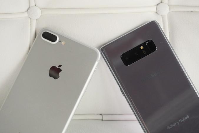 Что лучше Galaxy Note 8 vs Phone 7 Plus? Битва титанов