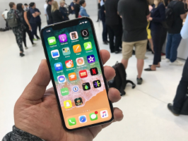 Тим Кук назвал $1000 справедливой ценой для iPhone X