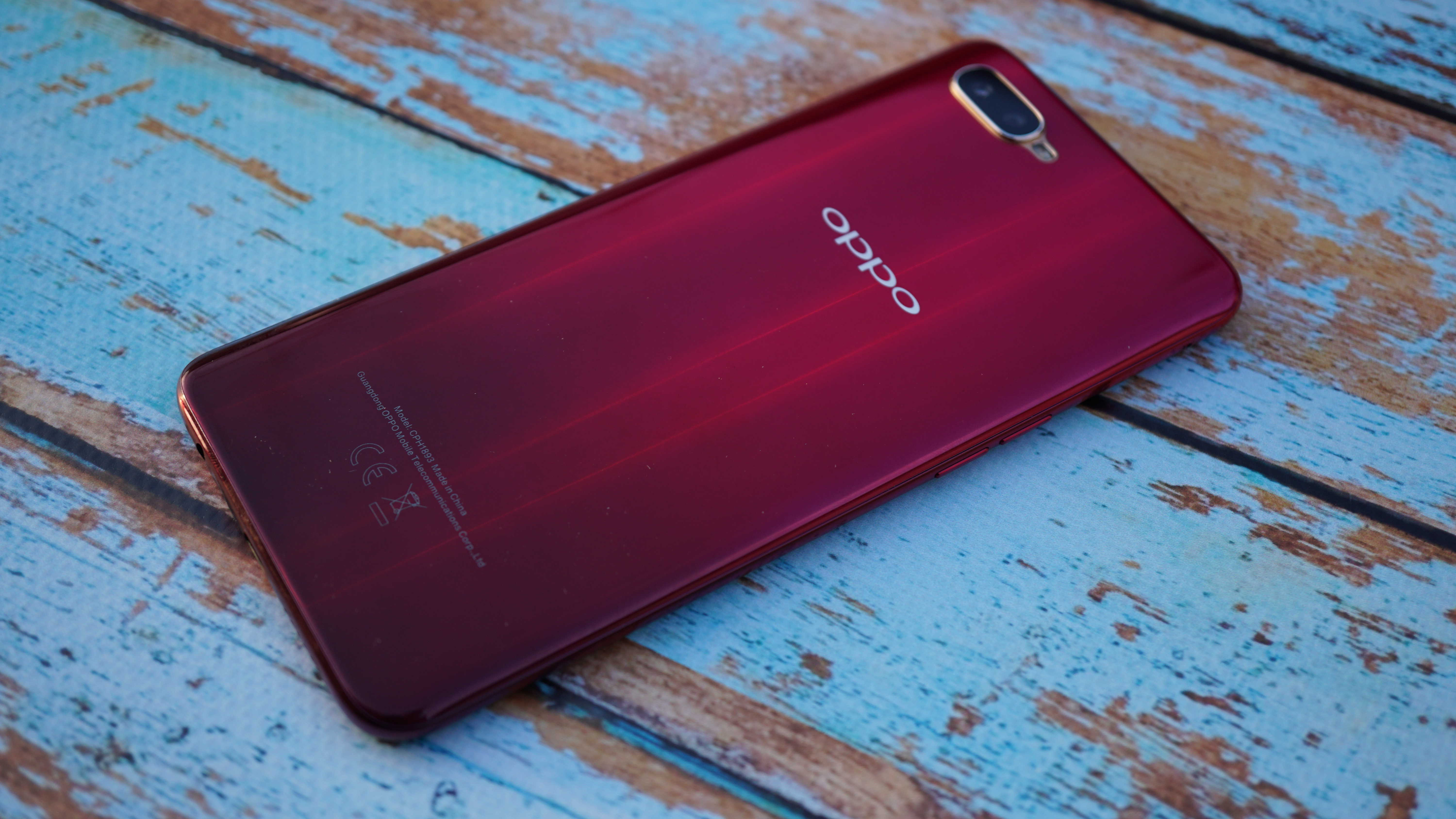 Review OPPO Neo RX17: a beautiful smartphone with a fingerprint scanner in the screen