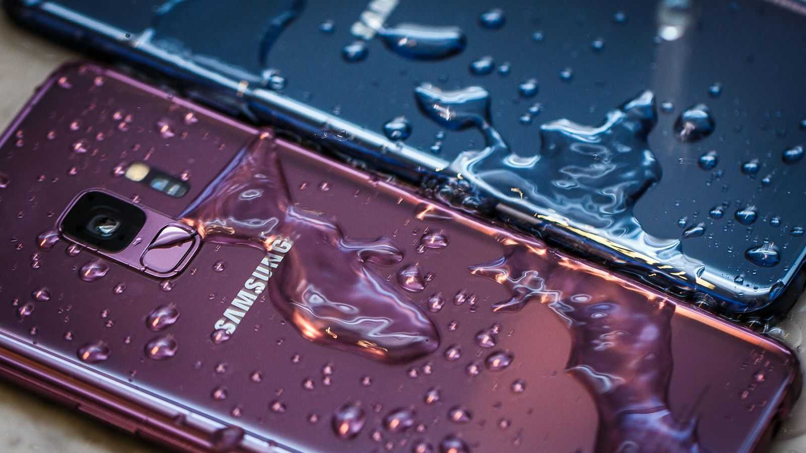 The TOP 3 phones that are not afraid of water