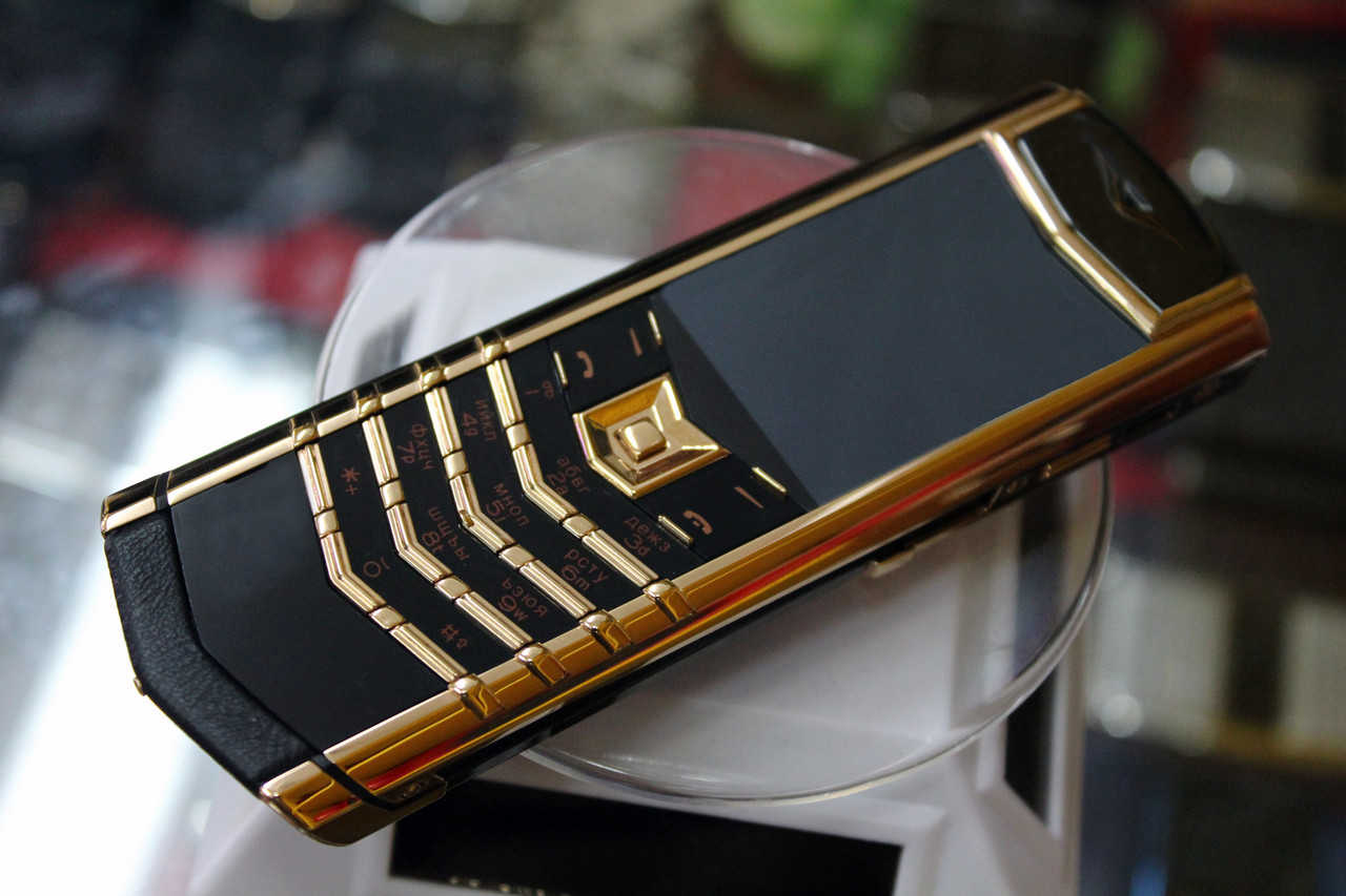 TOP 8 most expensive phones in the world